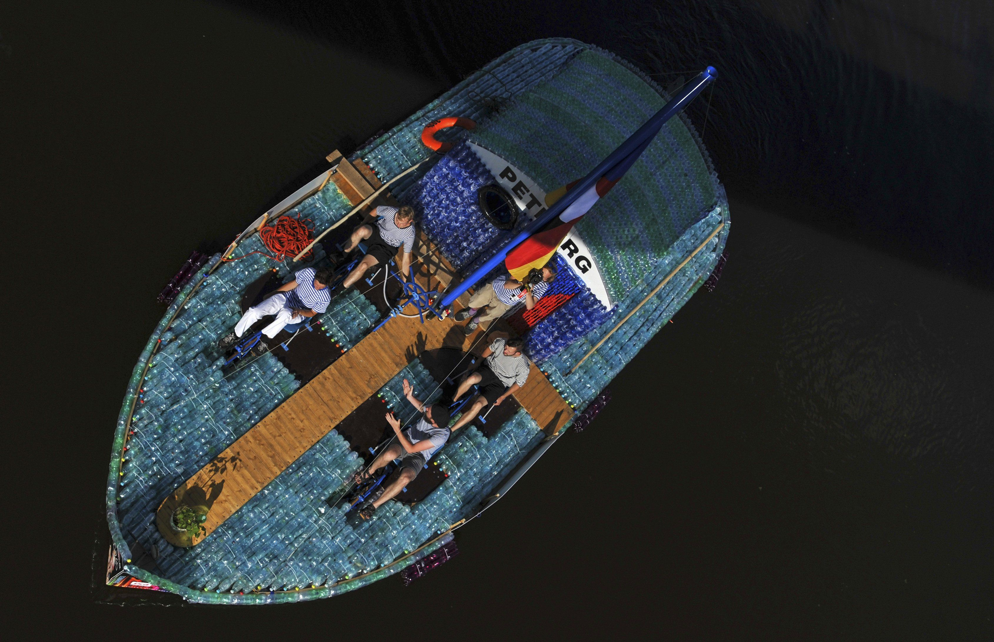 Кораблик из бутылки своими руками фото