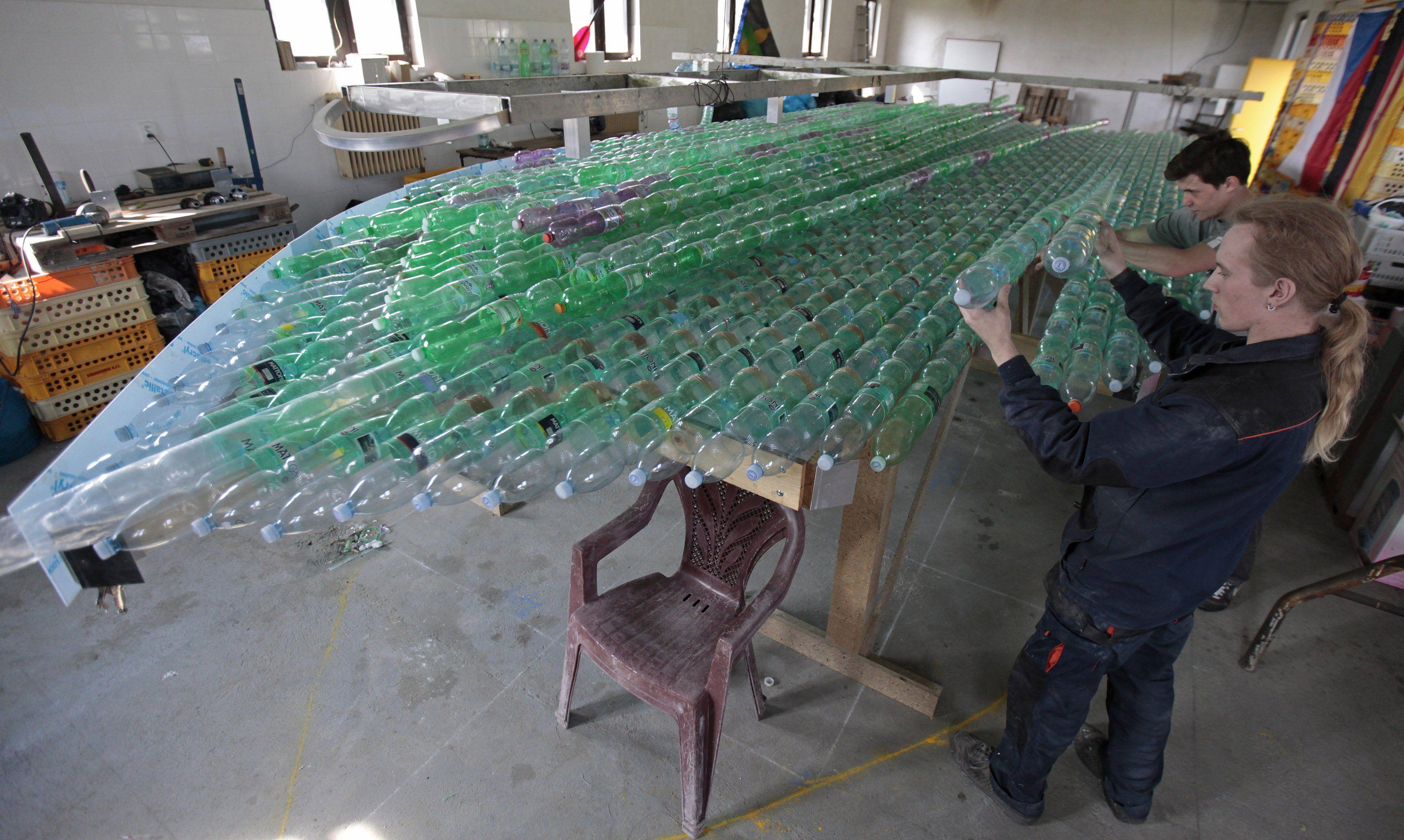 Как сделать спасательный жилет из пластиковых бутылок