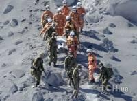 В Японии извержение вулкана застало врасплох сотни туристов. Фоторепортаж с места событий. Часть 1