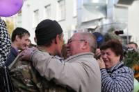 Праздник со слезами на глазах. В Хмельницкий вернулись бойцы Нацгвардии, два месяца оборонявшие Мариуполь