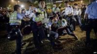 В Гонконге снова неспокойно. Правоохранители пустили в ход перечный газ и резиновые дубинки