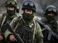 Колона российской военной техники в Крыму движется в направлении Украины