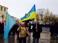 В Питере подняли украинские флаги