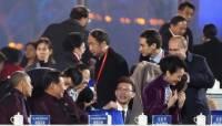 Пока генсек Китая общался с Обамой, Путин укутал его жену