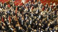 У Поплавского заявили, что нардеп не голосовал руками за «диктаторские законы» 16 января