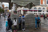 В центре Лондона появился... летающий дом