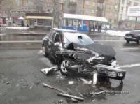 В Киеве «Тойота» вынудила «Мицубиши» пойти в лобовую атаку на «Шкоду»