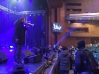 «Свободовец» Мирошниченко в громкоговоритель призывал людей бойкотировать концерт Ани Лорак