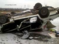 На Донетчине невнимательный водитель опрокинул свой ВАЗ и влетел в бетонные блоки. Погибли 4 человека