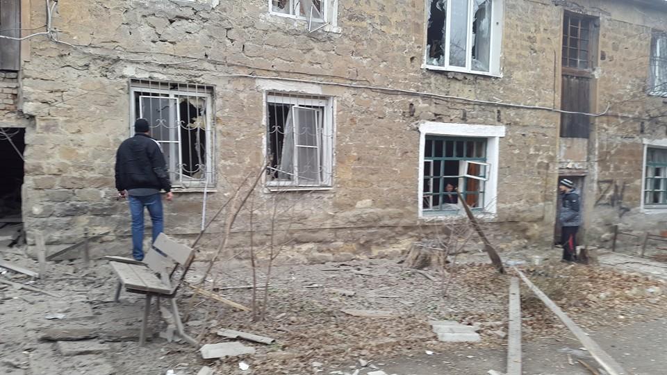 ФОТО: Обстрел частного сектора в Донецке: погибли 2 жителей