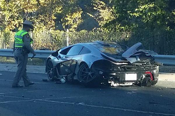 ФОТО: McLaren P1 стоимостью $1 млн разбился в ДТП
