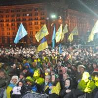 «Ночь памяти»: Порошенко — молился, политики — выступали, люди — плакали