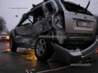 В Киеве водитель KIA не посчитал нужным пропустить маршрутку. Пострадали два человека