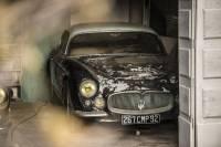 Находка века во Франции. На заднем дворе поместья найдены 60 уникальных автомобилей