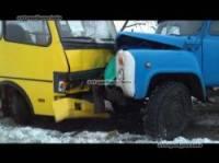 На Луганщине грузовик протаранил школьный автобус. Есть пострадавшие