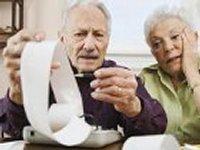 Минфин предлагает сэкономить миллиарды гривен, повысив пенсионный возраст до 65 лет. И мужчинам, и женщинам