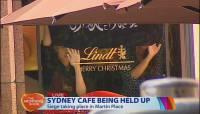 В австралийском Сиднее террористы захватили в заложники до 40 посетителей кафе. Похоже, за инцидентом стоит Исламское государство