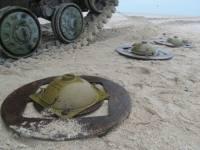 Украинские военные заминировали побережье Мариуполя от вражеского десанта