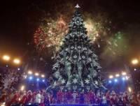 Главная елка страны в этом году обойдется почти в 2 миллиона гривен, зато фейерверков и салютов не будет