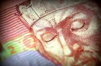 Бюджет-2015 подгоняют под курс в 17 гривен за доллар. Источники говорят про 22