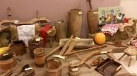 Ющенко показал свою коллекцию древней утвари и вышиванок