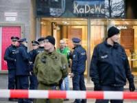 В Берлине  неизвестные напали на торговый центр, распылив там газ. 15 человек пострадали