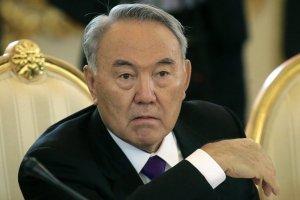 У того, кто хочет создать Советский союз, вообще мозгов нет /Назарбаев/