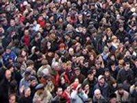 В Симферополе на вокзале собралась огромная толпа желающих выехать из Крыма. Безуспешно