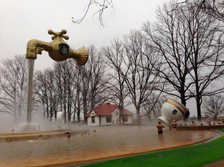 Появился уникальный фонтан бассейн