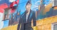 В аннексированном Крыму народ начал портить плакаты с изображением Путина