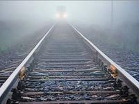 Попытка сделать селфи на фоне приближающего поезда закончилась фатально для трех студентов из Индии