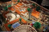 Австралиец создал из Lego точную копию Помпеи за пару дней до катастрофы