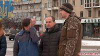«Держись, киборг». В Житомире появился бигборд в поддержку подполковника ВСУ, захваченного боевиками