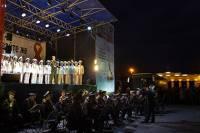 Ансамбль песни и пляски Российской армии решил, что спев украинские песни сможет помирить россиян и украинцев