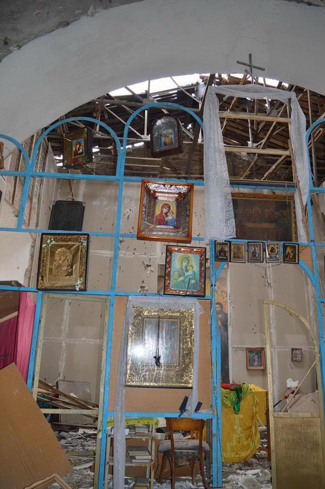 ФОТО: Боевики ДНР разгромили православную церковь ХІХ века