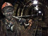 К Администрации Президента рвутся более тысячи агрессивных шахтеров