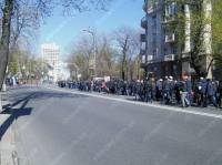 Недовольные шахтеры пикетируют Администрацию президента