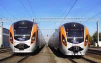 Поезд Hyundai сошел с рельсов под Харьковом