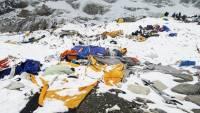 В горах Непала нашли тела 50 альпинистов, погребенных под лавиной