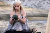 Актриса из «Игры престолов» рассказала о продаже драконьего яйца