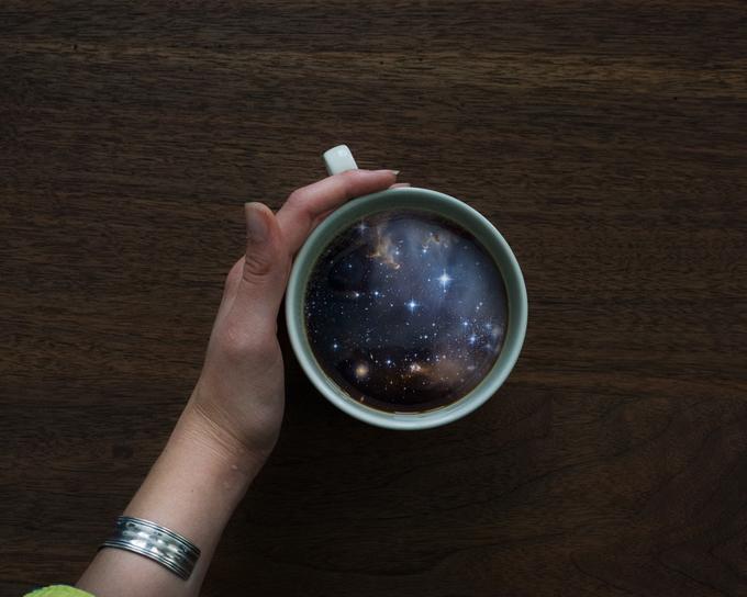 ФОТО: Удивительно как в кофейной чашке умещается целый мир