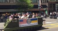 Украинцы приняли участие в военном параде в центре Чикаго