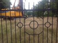 Банк «Аркада» строит новую скандальную высотку, наплевав на мнение жителей окрестных домов. Депутат Калиниченко требует пояснений от застройщиков