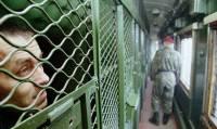 В Хмельницкой области во время этапирования из поезда сбежали шестеро осужденных