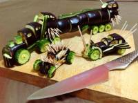 Японец создал машины из «Безумного Макса» с помощью овощей