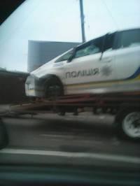 Во Львове патрульный автомобиль перевернулся вверх тормашками