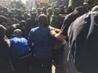 Неизвестные в балаклавах ворвались в здание харьковского горсовета, попортили оргтехнику и быстро ретировались