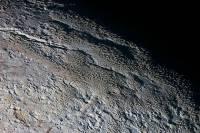 Глазастые астрономы разглядели «драконью кожу» Плутона