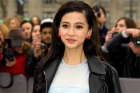 В Китае актрисе пришлось пройти проверку на пластику из-за... подозрительно красивого лица
