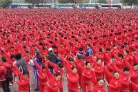 Более 18 тысяч китайских пенсионеров красиво попали в книгу рекордов Гиннесса